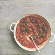 Lentil balls with tomato sauce