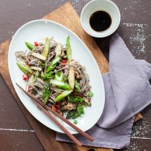 Soba noodles with shiitake and asparagus